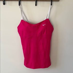Nike sports top nice condition